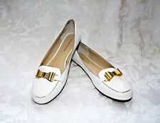 ADRIENNE VITTADINI WHITE FLATS, Solid White with Gold Bow Pebble finish Flats 9M