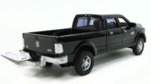 1:64 2012 Dodge Ram 2500 Heavy Duty Laramie in Black