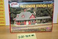 Atlas HO Scale Passenger Station Kit # 706, Open Box