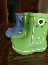Zwei Crocs Gummistiefel Kinder Gr. 24/25 C 8/9 Farbe Grün und blau