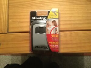 MASTER LOCK KEEPS YOUR KEY SAFE STORAGE FOR YOUR SPARE 5401D