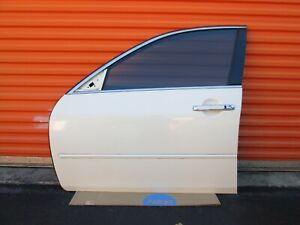 2006-2010 INFINITI M35 M45 FRONT LEFT DRIVER SIDE DOOR ASSEMBLY WHITE USED