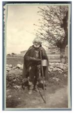 Italia, Paestum, Uomo anziano  Vintage albumen print.  Tirage albuminé  6,5x
