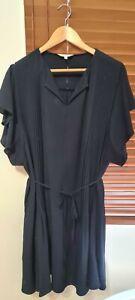 Veronika Maine Dress Size 16