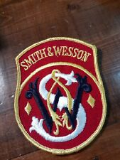 """SMITH & WESSON EMBROIDERED PATCH. S&W Gun 4"""" Patch Vintage NOS (E12)"""
