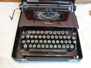 Clean Antique 1933? Smith Corona Silent Maroon Red Portable Typewriter w/Case