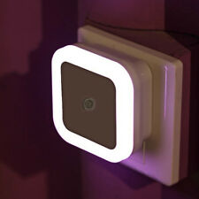 Night LED Light Lamp w/ Light Sensor Automatic Control US EU Plug AUTO POWER ON