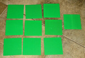 10 random friends base plates by mixed colours//Command /& sizes Lego