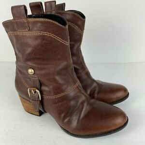 Clarks Artisan Brown Leather Calf Boots Pull on Strap Chunky Heel 7.5M Cowboy