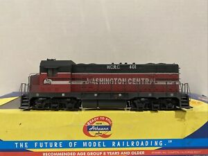 Ho Scale Athearn RTR Washington Central WCRC Weathered CF7 #401 w/ DCC