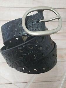 "Fossil Leather Belt Size Large Black Genuine Leather Cutout Belt 1.5"" Wide"