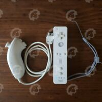 Nintendo Wii Remote Controller White with Nunchuck OEM Tested and Working