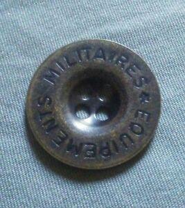Vintage Equipements Militaires Metal Button.