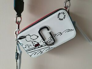 THE MARC JACOBS Peanuts x Snoopy Edition small Snapshot Camera Crossbody Bag