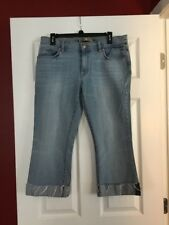 NEW! OLD NAVY LOW WAIST CUFFED BOOTCUT LIGHT WASH CAPRI JEANS! SIZE 12!