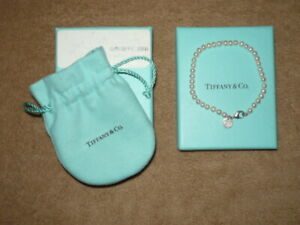 TIFFANY & CO PEARL BEAD BRACELET WITH 925 SILVER TAG & CLASP - FINE CONDITION