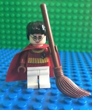 Lego HARRY POTTER Dark Red Quidditch Uniform with Broomstick Orginal Minifig NEW