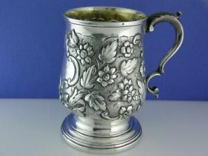 George III Silver Cup / Mug S GODBEHERE E WIGAN & J BOULT London c1806 Repousse
