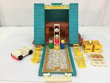 Vintage Fisher Price Little People Play Family A- Frame House # 990 Complete