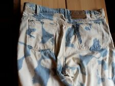 Hellblaue Domestos Jeans Bleachers Levis 550