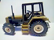 SIKU 1:32 Renault 145-14 ORO