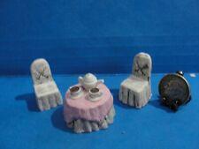 """Casa de muñecas """"mimbre mesa Moldeado agradable"""" con juego de té y 2 Sillas 1:48 escala 1/4"""