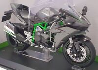 Aoshima 1/12 Scale Model Motorcycle 1045692500 - Kawasaki Ninja H2 - Silver