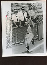 Original September 7 1965 Mickey Mantle Misses One 8 X 10 Wire Photo