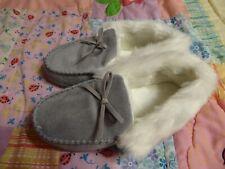 HomeIdeas Loafers Women SZ 8 Gray White Faux Fur No Slip Memory Foam Insole Bows