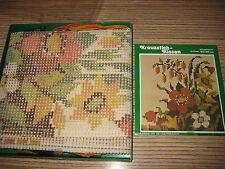 Stickpackung > ALt > Gobelin Stickbild Kissen 40 x 40 cm Blumen > Wolle Stramin