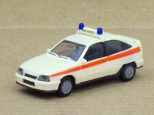 "Opel Kadett GSI en crema con 2 blaulichtern ""emergencias"", o. OVP, Herpa, 1:87"