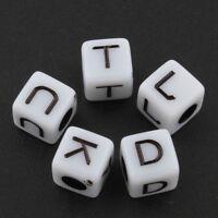 250 Buchstaben Acryl Perlen 5mm Würfel A-Z mit Weiss für Armbänd Halsketten D91