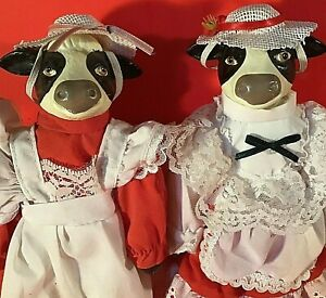 """COW DOLLS SET OF 2 CERAMIC WEARING COUNTRY DRESSES & HATS 9""""  LACE VINTAGE"""