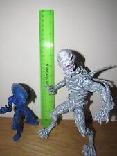 2 figuras de acción de Aliens Alien figuras de acción personalizada [Amos del universo Tmnt Neca Xmen Venom]