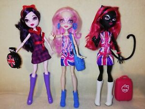 Monster High Catty Noir, ElissaBat, Viperine Gorgon - Ghoulebreties In Londoom!