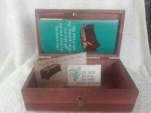 Vintage LANE CEDAR CHEST   JEWELRY BOX, GIRL GRADUATE PROGRAM with KEY!! NEW