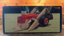 NEW ERTL ALLIS-CHALMERS D-17 PRECISION SERIES #8 TRACTOR WITH NEW IDEA PICKER