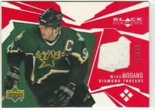 2003 03-04 Black Diamond Threads Red #DTMO Mike Modano 24/50