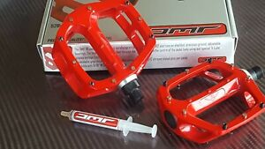 "DMR V8 Pedals 9/16"" Mountain Bike BMX (CODE RED) Classic Platform (NEW)"
