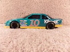 1992 Racing Champions 1:24 Diecast NASCAR Jimmy Spencer Kleenex Chevy Lumina #10