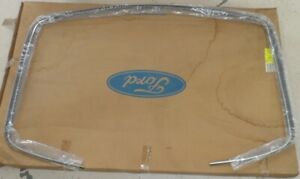 NOS 1990 to 1994 Lincoln Town Car OEM Windshield Moulding F0VY-5401344C