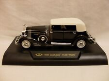 S 1933 CADILLAC, FLEETWOOD, (1:32 SCALE) (BOXED NEW)