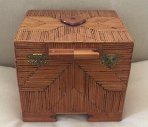 VINTAGE FOLK ART VELVET-LINED, MIRRORED WOODEN MATCHSTICK JEWELRY BOX