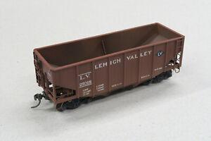 HO 55 tonTwin Hopper Lehigh Valley #25018 - Stewart #10117
