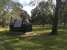 BEAUTIFUL AND PEACEFUL CEMETERY PLOT IN HOUSTON, TX MEMORIAL OAKS ON I-10