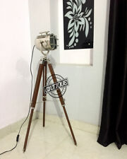FLOOR LAMP AND STAND WOODEN TRIPOD ELECTRIC PLUG HOME GARDEN SEARCH-LIGHT DECOR.