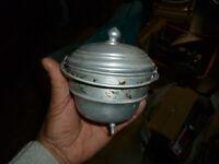 Ancienne petite Marmite décorative en Aluminium ( Peut etre pour grosse Poupée