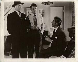 Sortie De The Past Robert Mitchum Kirk Douglas Paul Valentin 1947 Original Photo