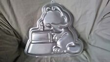 Vintage Wilton Garfield Car Cake Pan 1981 #2105-2447 Birthday Cake Party Metal