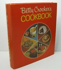 Betty Crocker's Cookbook 1973 18th Printing Pie Cover 5 Ring Binder